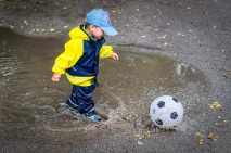criança e futebol